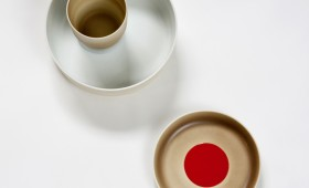 COLOUR-PORCELAIN-ScholtenBaijings-Deep-plate-with-cup-and-light-brown-plate-with-red-dot-Photo-IngaPowilleit2.jpg